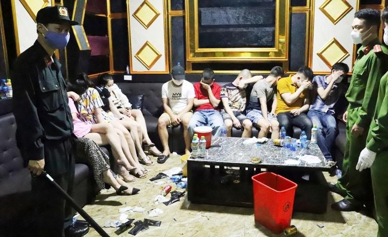 Cách ly 79 người trong quán karaoke để xét nghiệm COVID-19 - ảnh 1