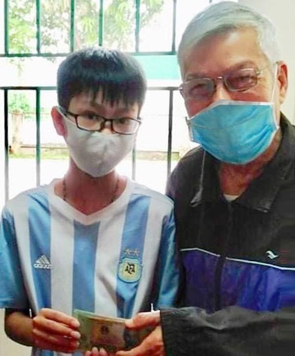 Cậu bé 13 tuổi nhặt được 50 triệu đồng trả lại người đánh rơi - ảnh 1
