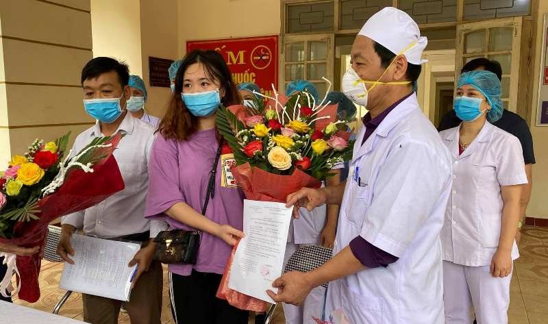 Cô gái xin phục vụ người cách ly COVID-19 cám ơn các bác sĩ - ảnh 1