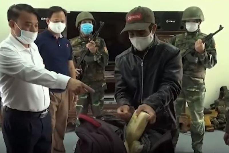 Bắt thanh niên mang 60.000 viên ma túy từ Lào vào Việt Nam  - ảnh 2