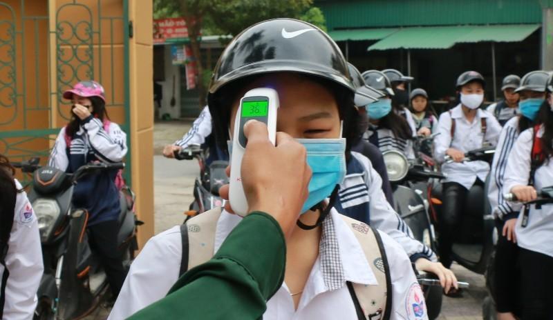 Nghệ An: Đề xuất học sinh THCS, THPT đi học lại từ 27-4 - ảnh 1