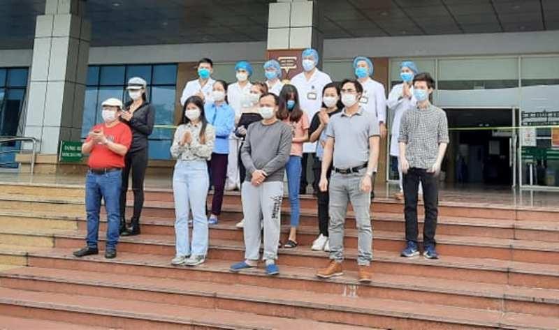 Bệnh nhân dương tính trở lại từng đi taxi từ Hà Nội về Nghệ An - ảnh 1
