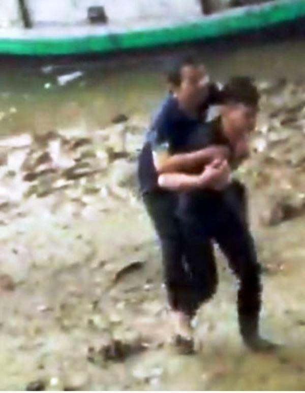 Nam sinh viên Lào dũng cảm cứu người nhảy sông tự tử  - ảnh 2