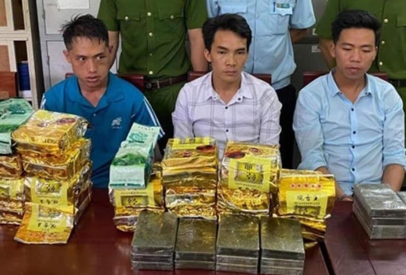 Vận chuyển thuê hơn 20 kg ma túy đá để lấy công 80 triệu - ảnh 1