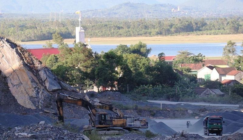Cử tri kiến nghị đóng mỏ đá ở Đô Lương - ảnh 1
