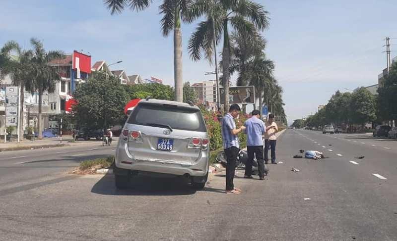 Người trong cuộc nói về 'đứng bấm điện thoại' sau tai nạn  - ảnh 1