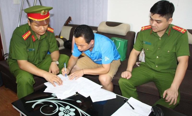 Khởi tố 1 cán bộ Ban dân tộc Nghệ An tham ô tài sản - ảnh 1