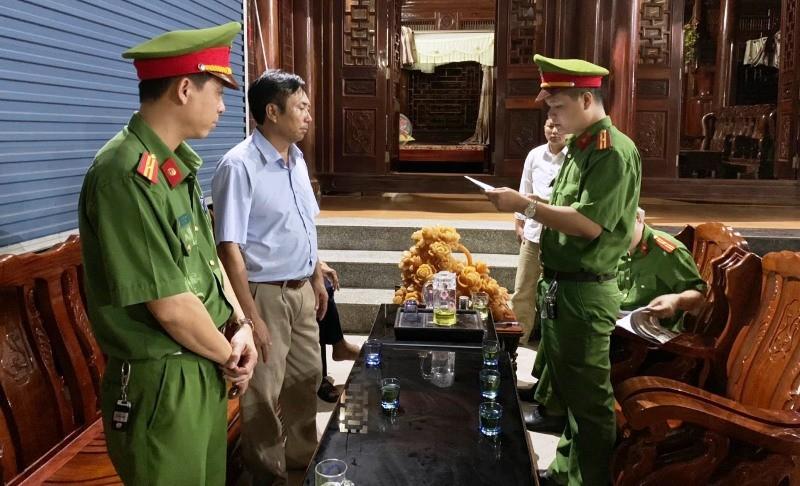 Bắt khẩn cấp 1 giám đốc công ty ở Nghệ An - ảnh 1