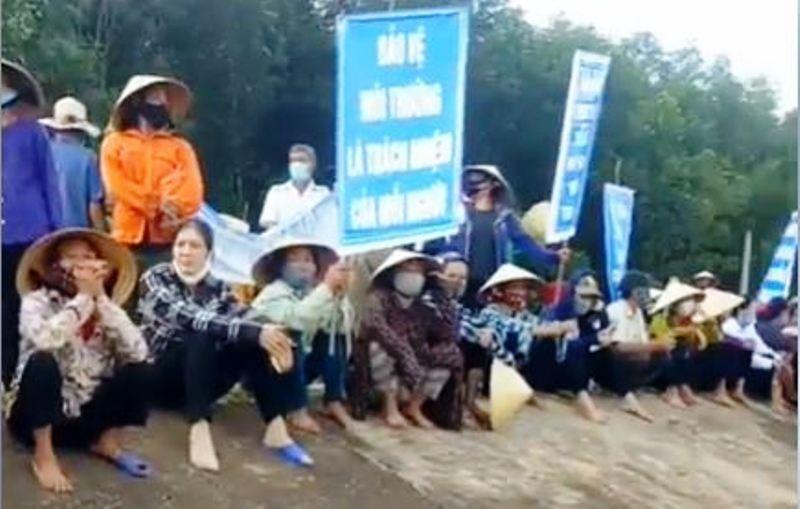 Dân phản đối trại heo gây ô nhiễm, lãnh đạo huyện họp khẩn - ảnh 5