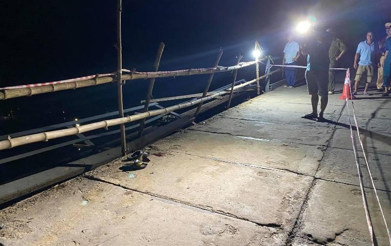 Trục vớt được xe ô tô rơi xuống sông Giăng, 5 người tử vong - ảnh 2