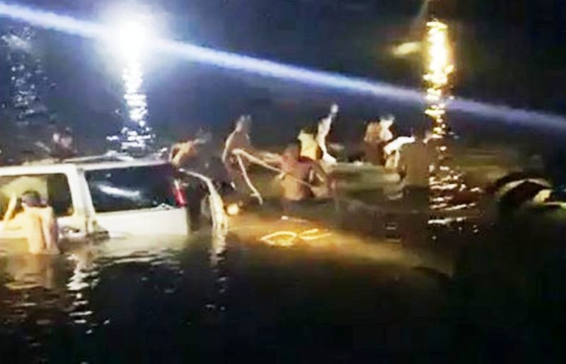 Trục vớt được xe ô tô rơi xuống sông Giăng, 5 người tử vong - ảnh 3