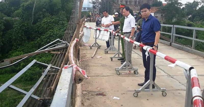 Cận cảnh nơi xảy ra vụ tai nạn thảm khốc 5 người tử vong - ảnh 5