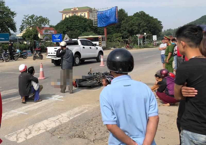 Bị xe đạp điện tông ngã vào xe tải, cô gái tử vong - ảnh 1