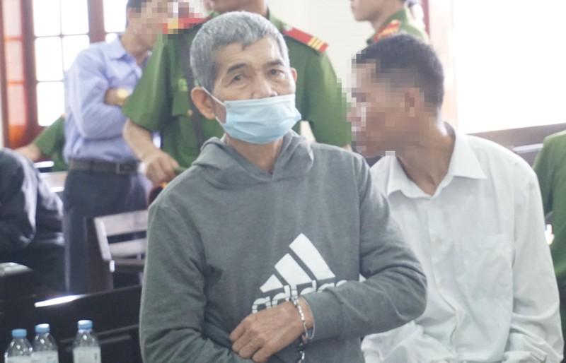 Ông già 70 hiếp dâm 2 bé gái 8 tuổi bị phạt 18 năm tù - ảnh 1
