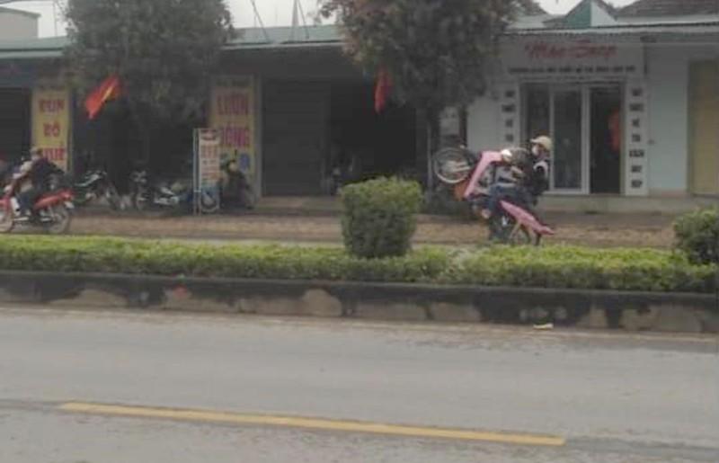 Công an đã tìm ra 1 thanh niên chạy xe máy 'bốc đầu' - ảnh 1