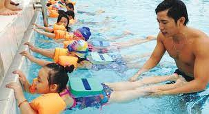 Học sinh lớp 2 bị đuối nước thương tâm trong bể bơi - ảnh 1