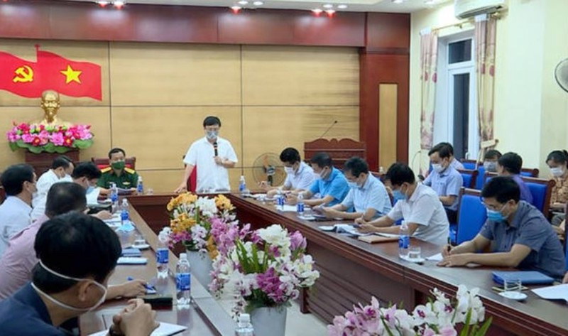 Lịch trình chồng chăm vợ ở Hà Nội về quê dương tính COVID-19 - ảnh 1