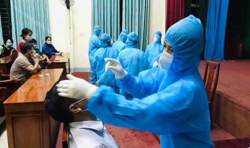 Khởi tố vụ án làm lây lan dịch ở huyện Hương Sơn tỉnh Hà Tĩnh - ảnh 1