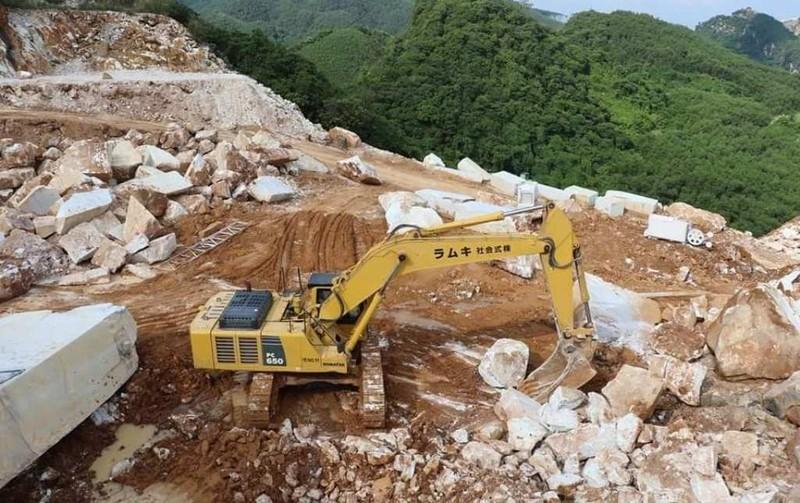 3 người ở Nghệ An bị khởi tố vì giúp giám đốc khai thác đá trắng trái phép - ảnh 3