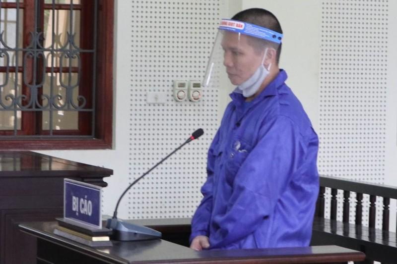 Phạt tù kẻ lẻn vào nhà chém 2 mẹ con chủ quán bi-a, cướp vàng  - ảnh 1