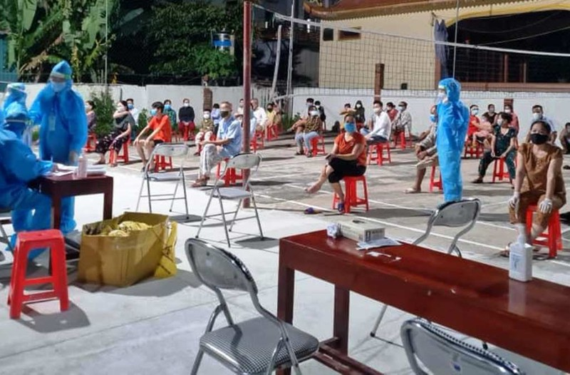 Cửa Lò, Nghệ An: Một người đã tiêm 2 mũi vaccine ngừa COVID-19 vẫn dương tính - ảnh 1
