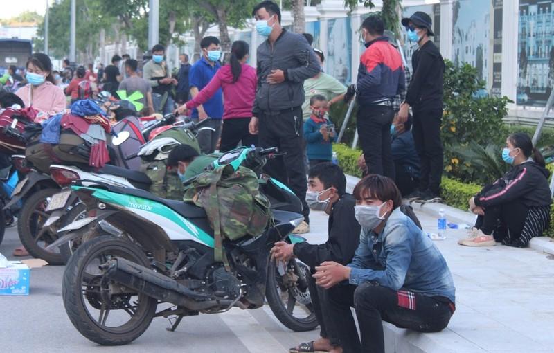 1.000 người từ miền Nam chạy xe máy về quê qua Nghệ An  - ảnh 4