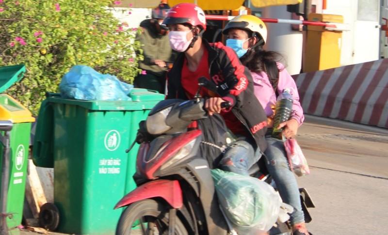 1.000 người từ miền Nam chạy xe máy về quê qua Nghệ An  - ảnh 1
