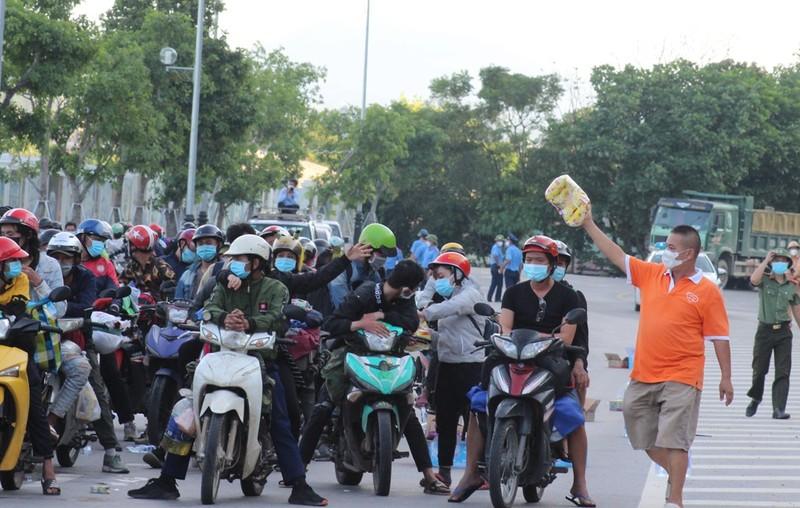 1.000 người từ miền Nam chạy xe máy về quê qua Nghệ An  - ảnh 3