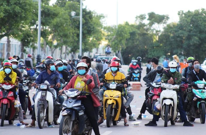 1.000 người từ miền Nam chạy xe máy về quê qua Nghệ An  - ảnh 2