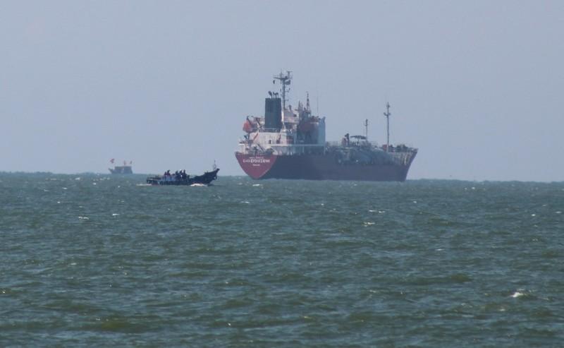 Nghệ An: Đón bà con về quê tránh bão, cấm biển từ 0 giờ 10-10 - ảnh 1