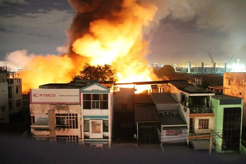 Chấm dứt điều tra vụ cháy kho 5.000 m2 gần cảng Sài Gòn - ảnh 1