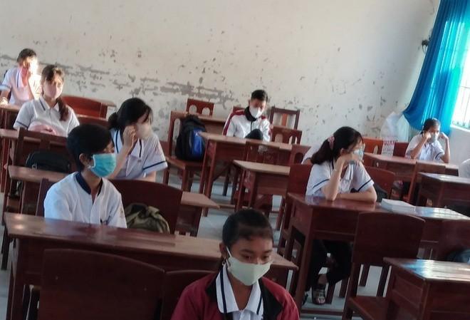 Đảm bảo học sinh, sinh viên ngồi cách nhau tối thiểu 1,5 m - ảnh 1