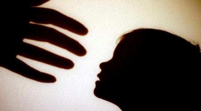 Nhiều học sinh nữ bị quấy rối tình dục ở nơi công cộng - ảnh 1