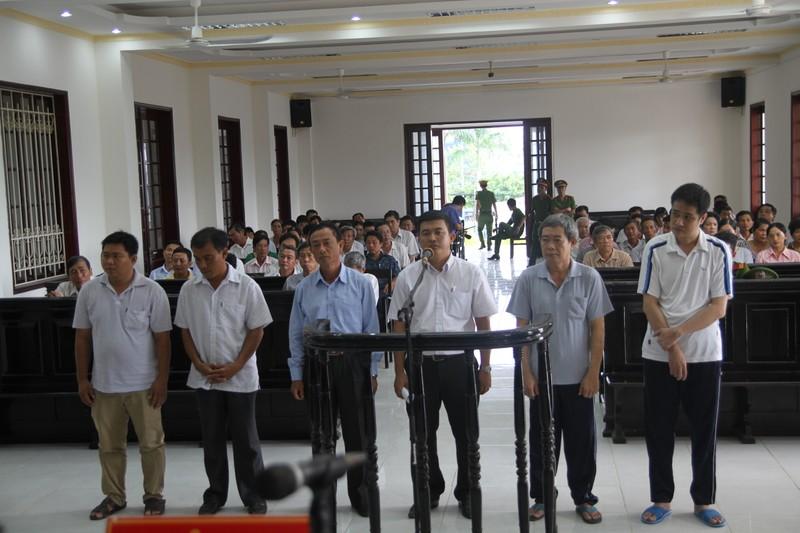 Trưởng phòng Công thương ở Vĩnh Long hầu tòa vì tham ô - ảnh 2