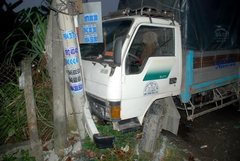 Tai nạn xe giường nằm trên QL1A, 13 người thương vong - ảnh 4