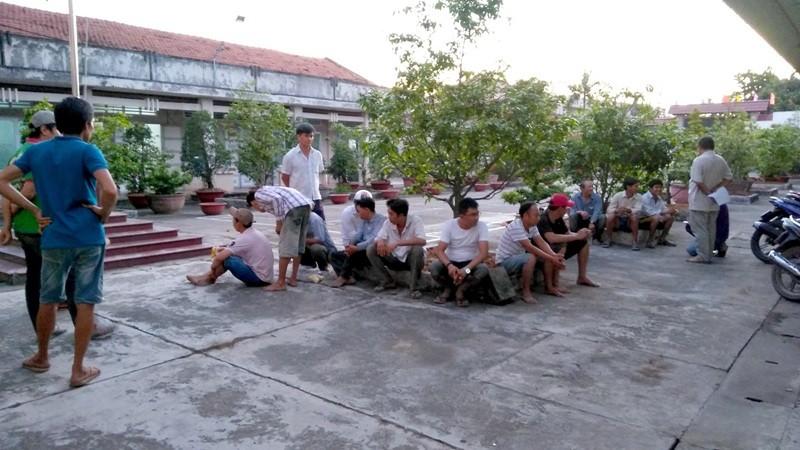 16 người trong tụ điểm đá gà ở Tiền Giang - ảnh 1