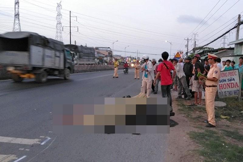 Người đàn ông chết thảm trên quốc lộ 1A - ảnh 1