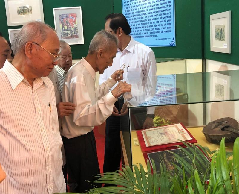 Triển lãm ảnh 50 năm thực hiện Di chúc Chủ tịch Hồ Chí Minh - ảnh 3