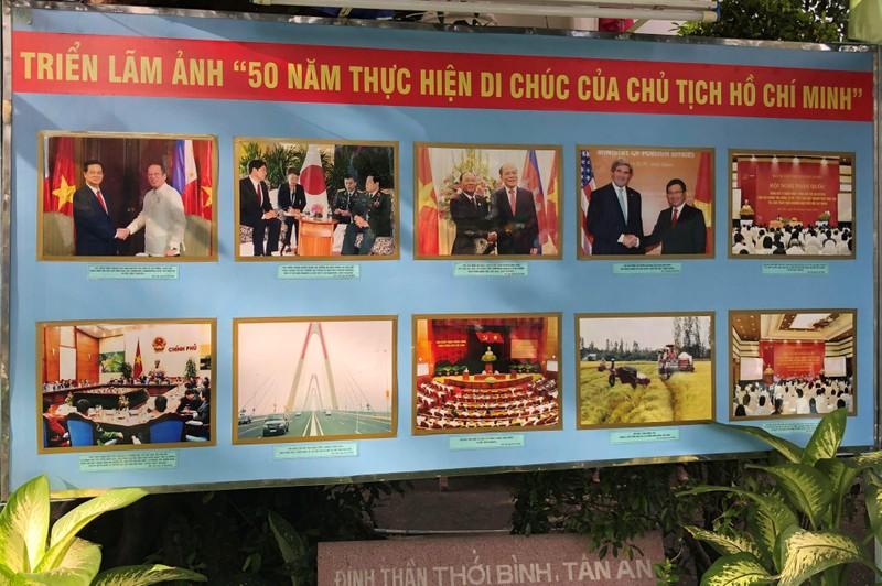 Triển lãm ảnh 50 năm thực hiện Di chúc Chủ tịch Hồ Chí Minh - ảnh 1