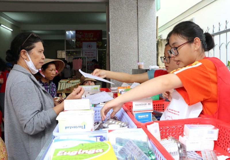 Người dân nghèo Kiên Giang ấm áp với phiên chợ 0 đồng - ảnh 3