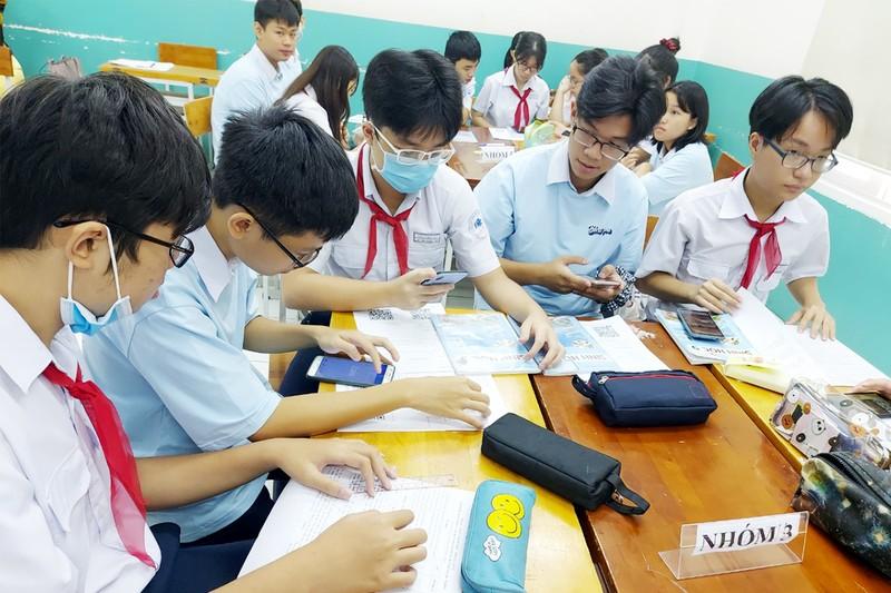 Sử dụng điện thoại trong giờ học: Nơi mạnh dạn, nơi dè dặt - ảnh 1