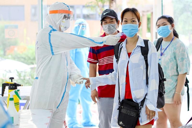 Bệnh viện dã chiến rút nhân sự về phục vụ bệnh nhân thường - ảnh 1
