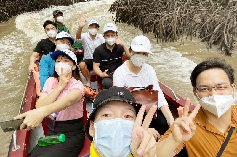 Du lịch TP.HCM mở cửa với tour câu cá, ngắm sông - ảnh 1