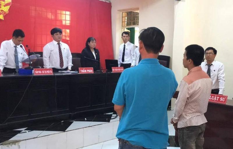 Hoãn xử vụ không cột được tội giao cấu,tòa kết án dâm ô - ảnh 1