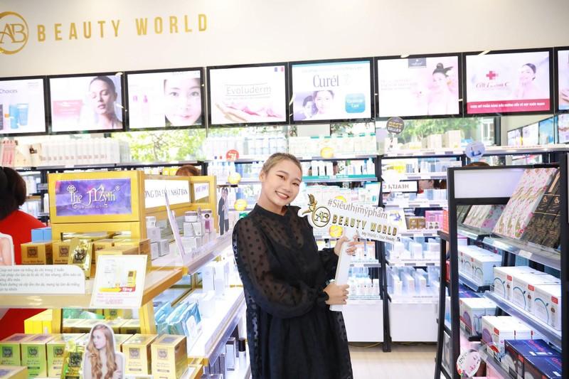 Nhiều khách hàng dự khai trương chi nhánh 9 AB Beauty World - ảnh 7
