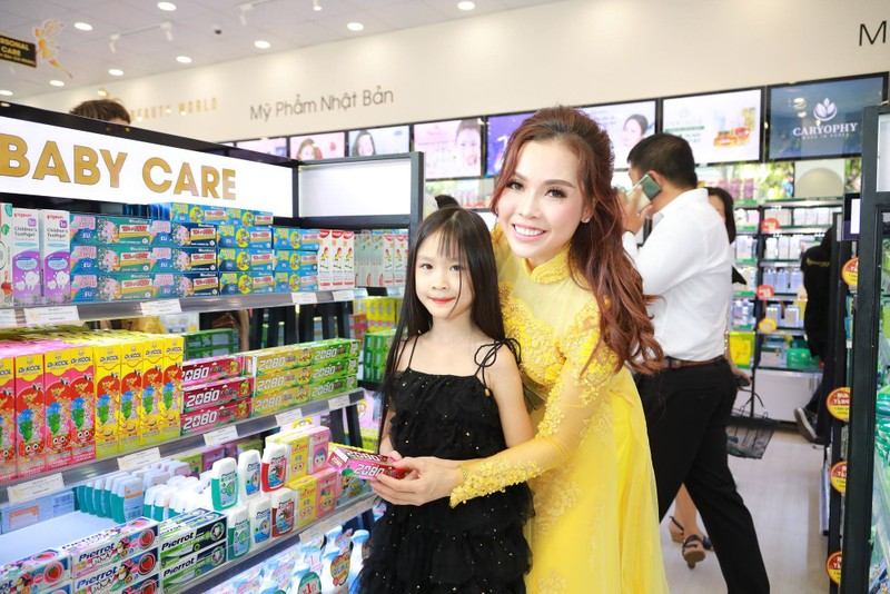 Nhiều khách hàng dự khai trương chi nhánh 9 AB Beauty World - ảnh 6