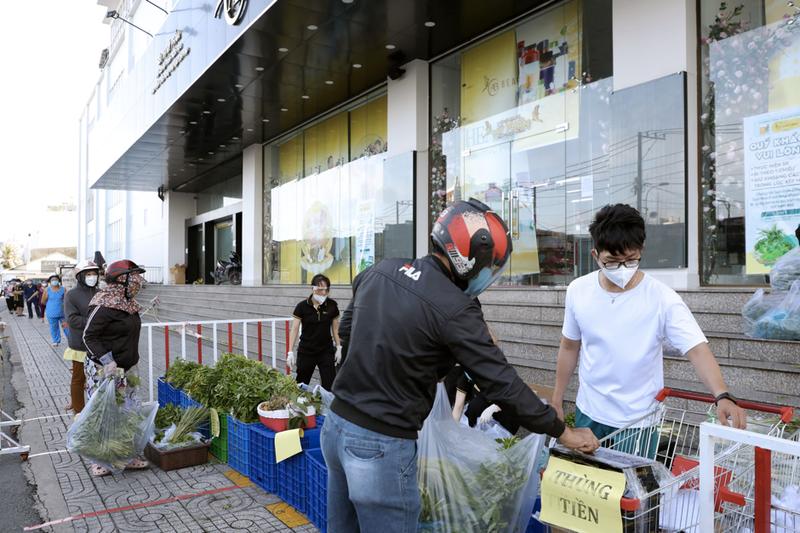 Gói rau củ 6,5 ký chỉ 50.000 đồng xuất hiện ở TP.HCM - ảnh 7