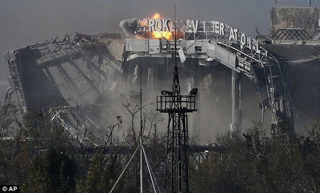 Quân Kiev lại bị miền Đông cáo buộc tấn công Donetsk - ảnh 1