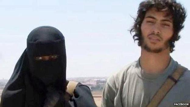 Bỏ nhà để kết hôn với khủng bố IS - ảnh 1
