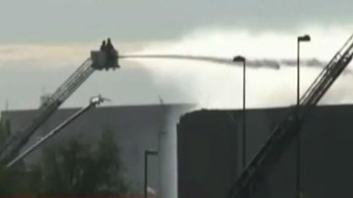 Máy bay đâm vào tòa nhà tại sân bay Mỹ - ảnh 3